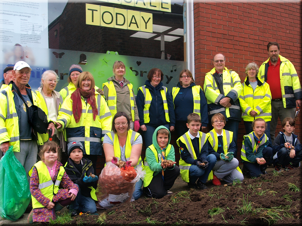 Volunteers at the ready to start planting